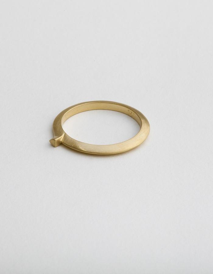 Unicorn String Code: RD-104 | 18 Karat Gold