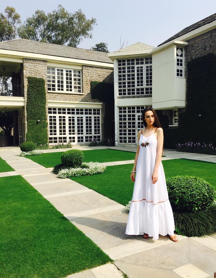 The white linen Maxi dress