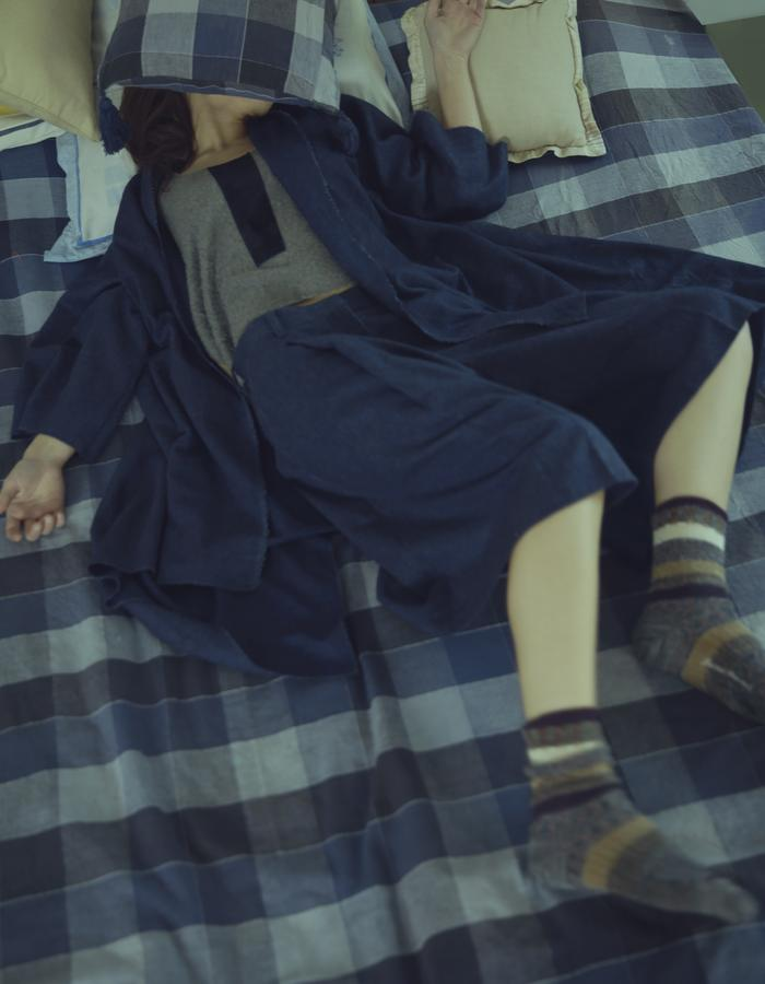 the midnight blue wool shorts
