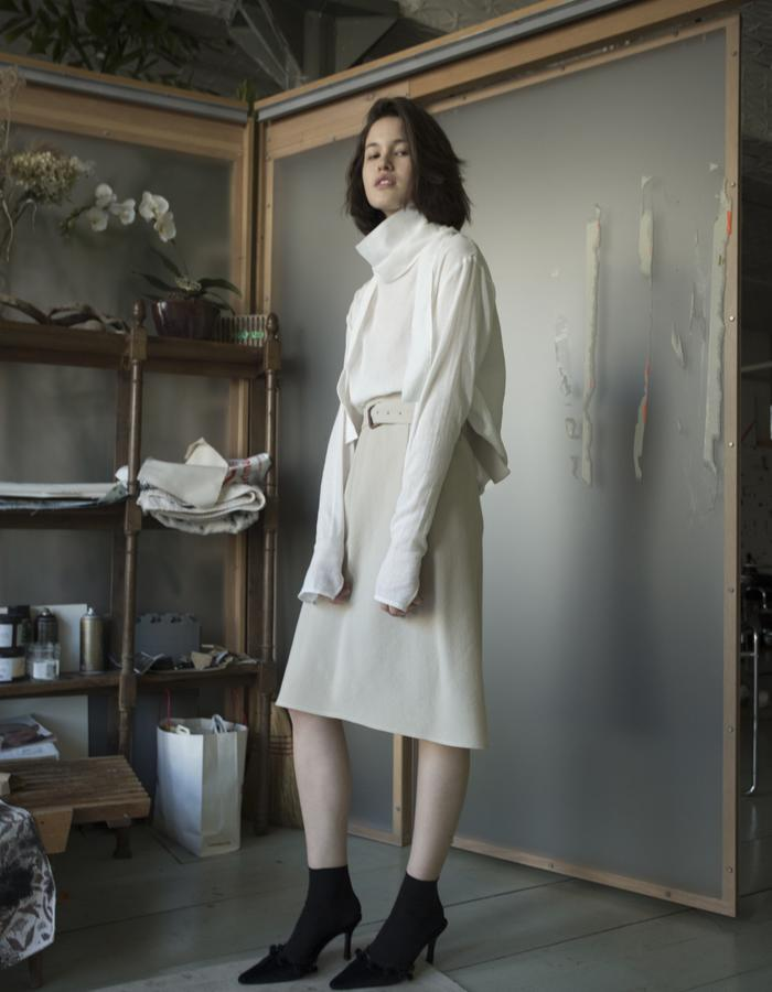 DOUBLE COLLAR TURTLENECK, WHITE COTTON / BIAS SKIRT, WOOL CREPE