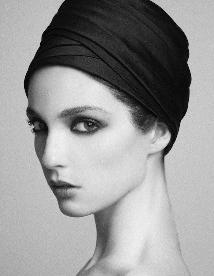 TURBAN IN PLEATED SILK DUCHESSE SATIN