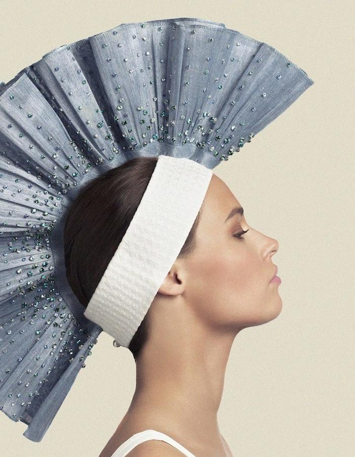 HEADPIECE IN CRYSTAL EMBROIDERED BANANA FIBER & BRODERIES ANGLAISES