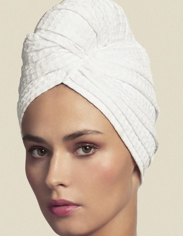 TURBAN IN BRODERIES ANGLAISES