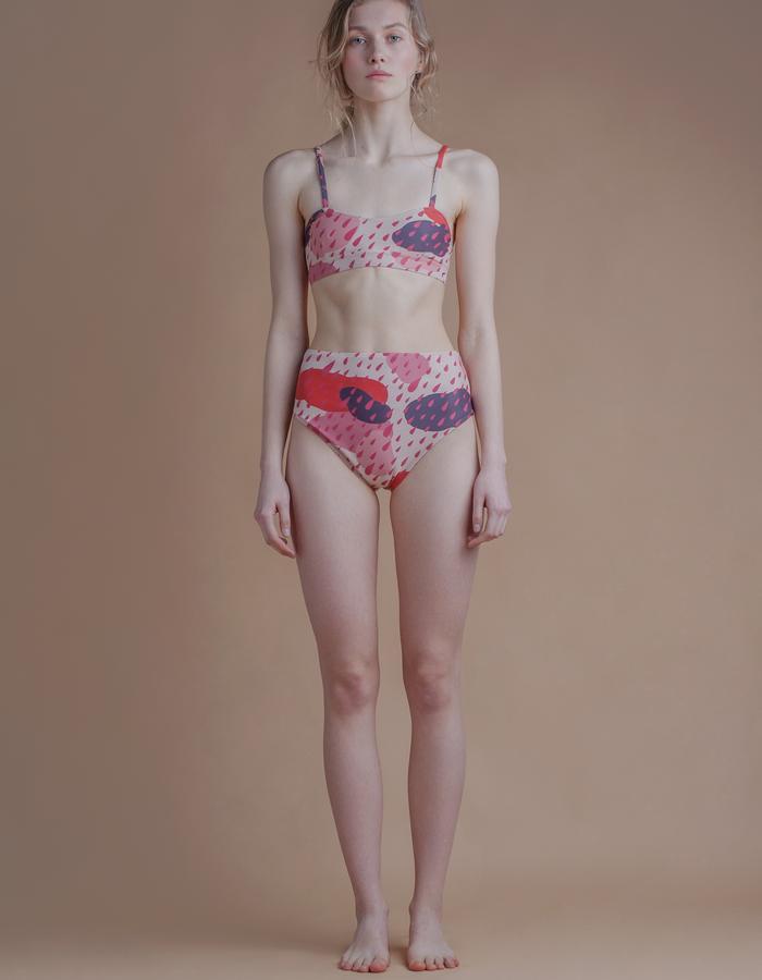 Model 'Indulging Illusion'
