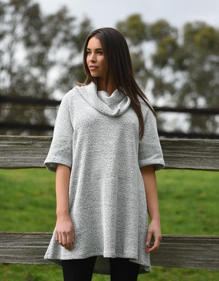 Mountain ranges Winter 2016 - Cowl neck knit dress