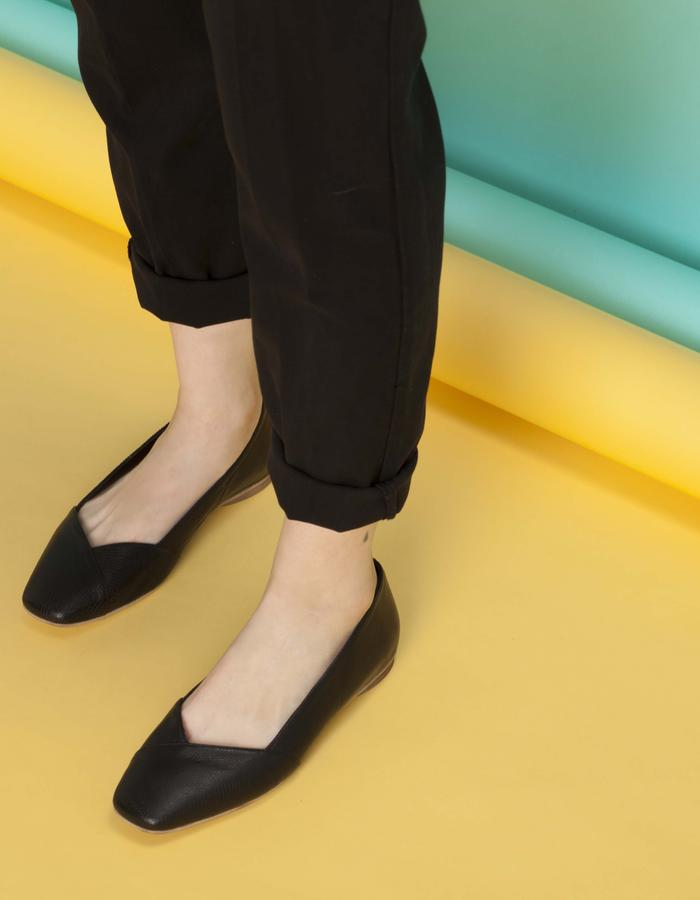 olivethomas_s16_block toe ballet flats