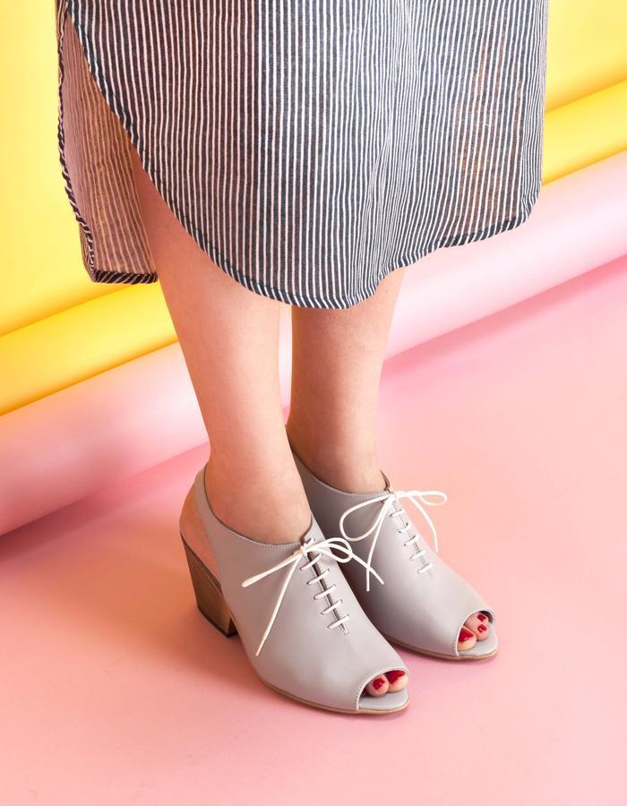 olivethomas_s16_lace up chunky heel mules