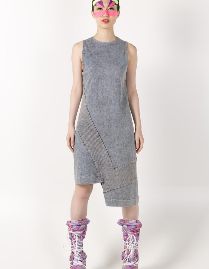 STRIPE VEST DRESS HKD 2480