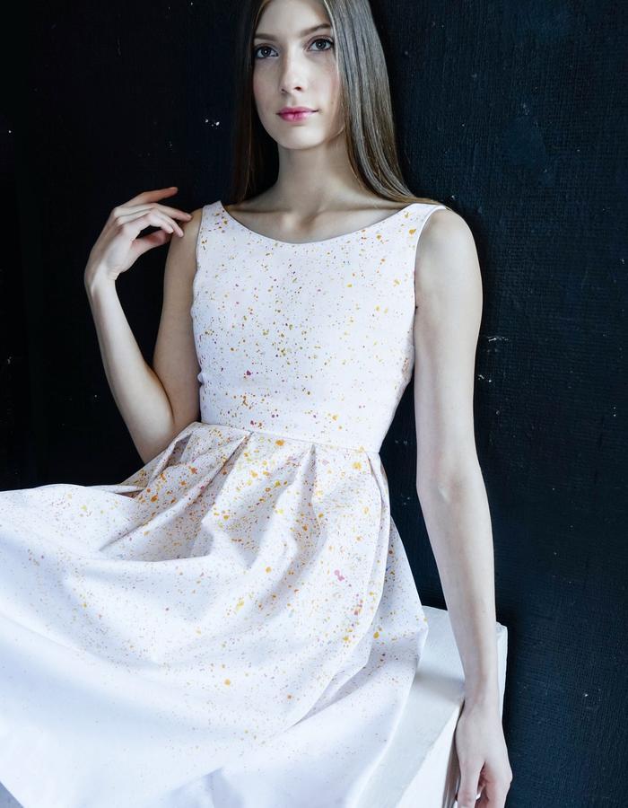 SUNRISE SPLASH Pleated Midi Dress