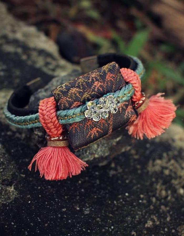 ARIEL.c obijime tassel leather bangle