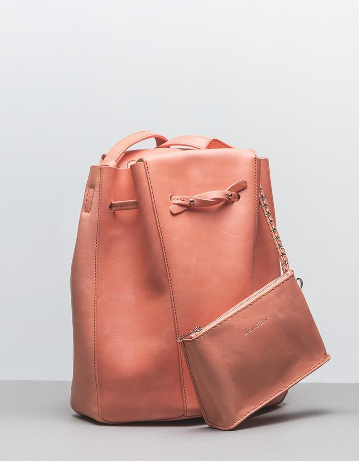 DEACON the Seine in salmon. with pouch