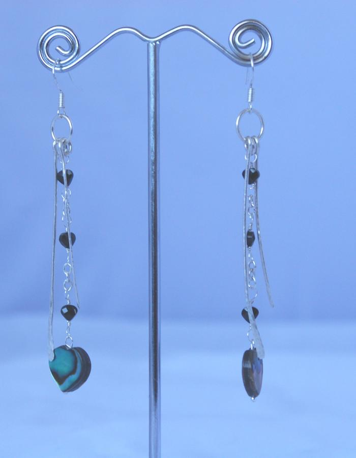 Black spinel & abalone heart drop hammered Earrings