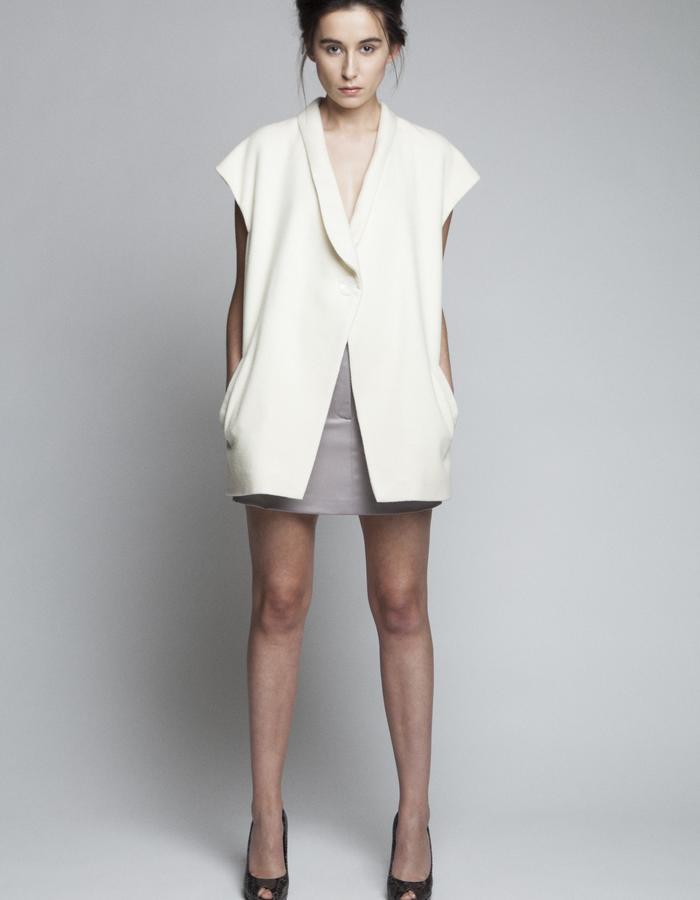Zoe Carol Womenswear wool white sleeveless jacket and wool taupe pocket skirt