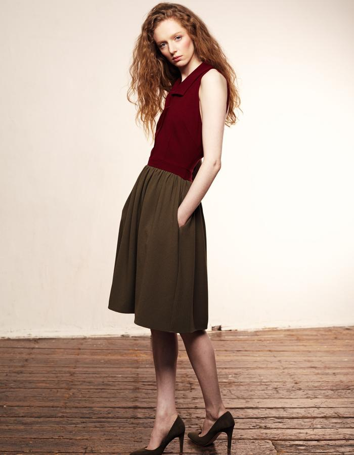Zoe Carol Womenswear olive green and red crepe backless dress with pockets