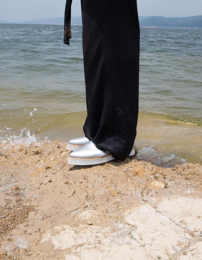 unisex_silver_sandals