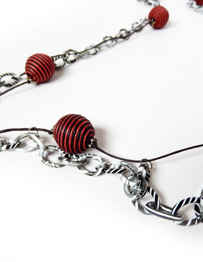 http://www.hearth.biz/english/store/boules-chain/