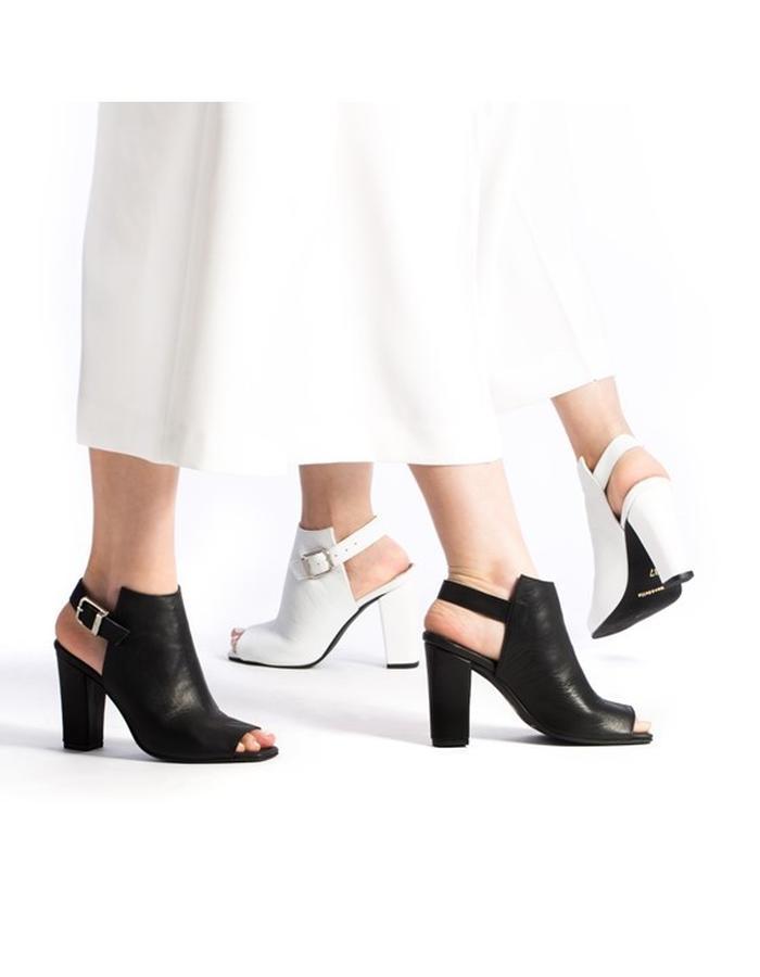 Yoko Black & White