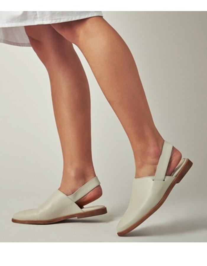 Uno Shoes