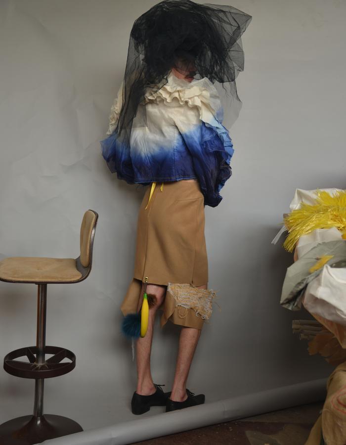 Dipdyed Musikin/Silkorganza Rufflejacket, striped Velvet Bra, Camel/Cashmere Raffiaknit Pencilskirt