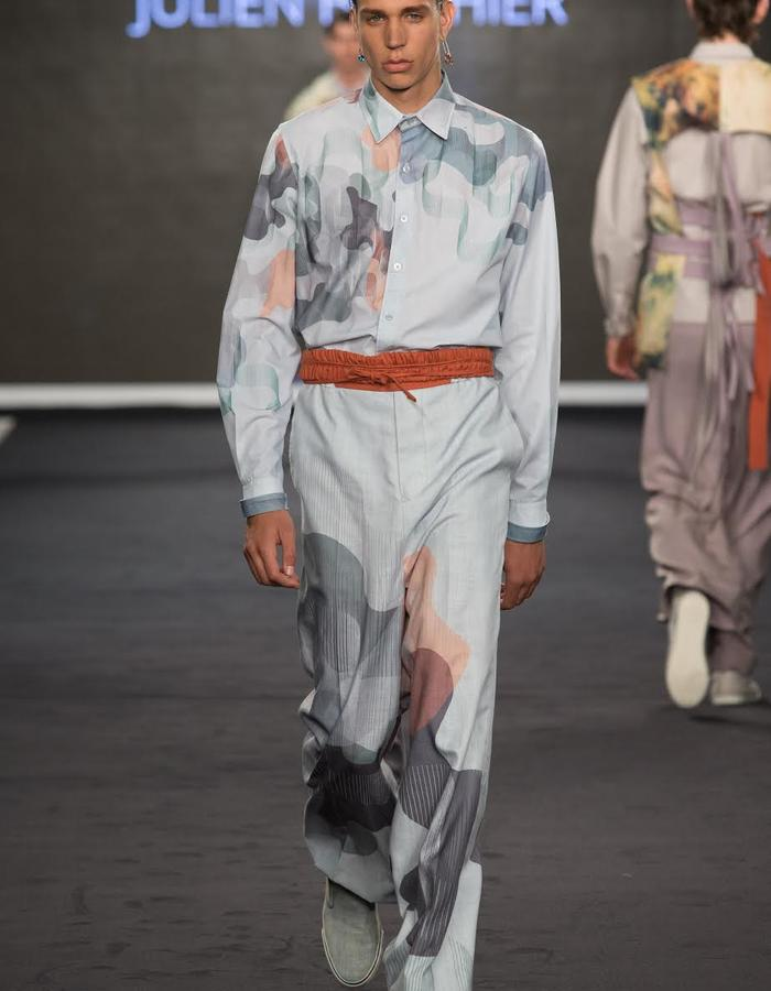 Outfit 4, TROISIEME