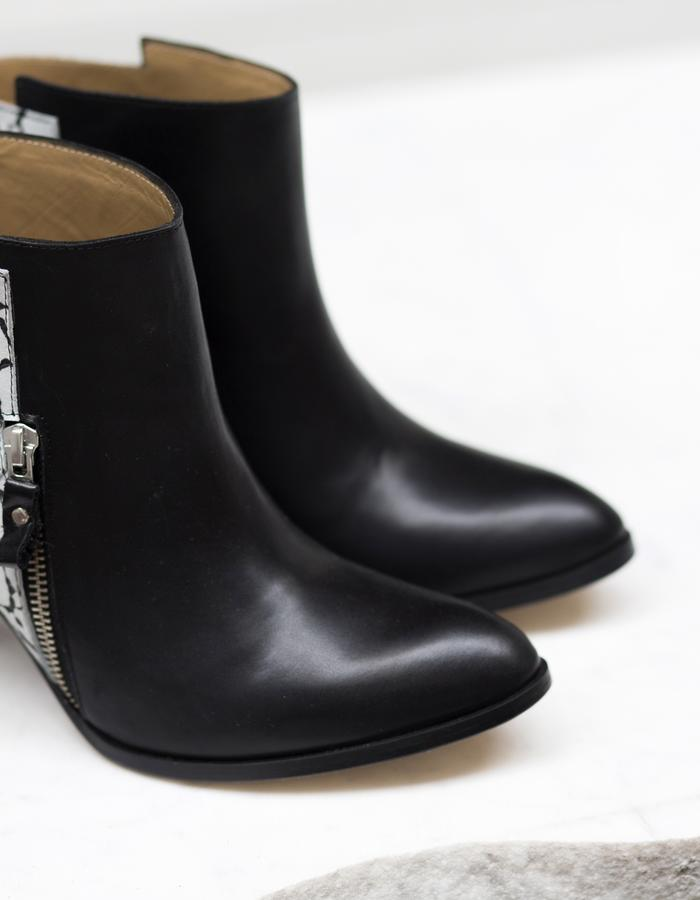 SELENE-heel