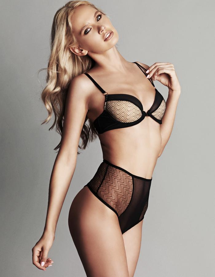 BIANCA Define playful meets elegance with the Bianca range. Tantalising zigzag lace draws the eye around the body in all the right directions whilst soft mesh, playful peeps and rose gold hardware complete this seductive look that accentuates the female form.