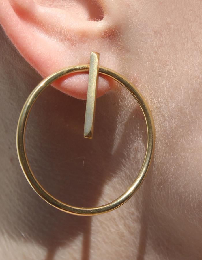 Substrate earring_gold