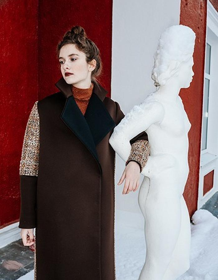 wool & neoprene coat with conrasts elements