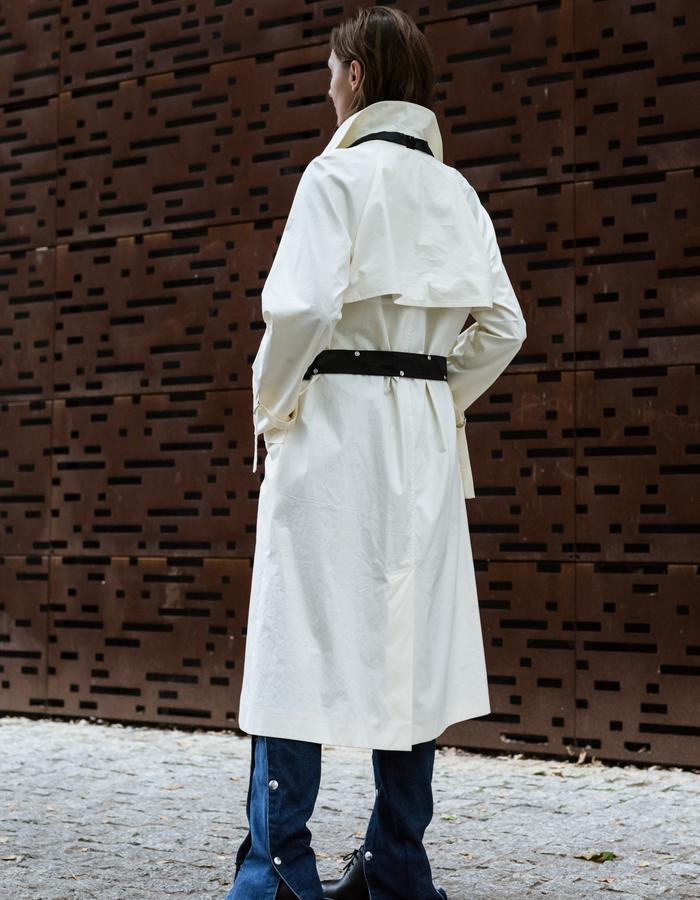 cotton trenchcoat with details