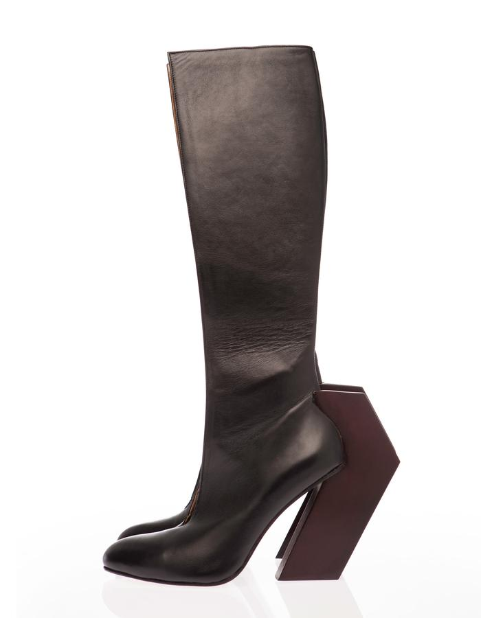 BOOT WITH WOODEN HEEL, contemporary, fashion.