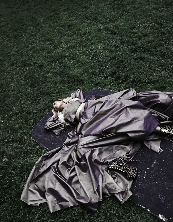 The Birds- Editorial, Photographer- Zuzia Zawada, Hellavagirl, Couture, Dress