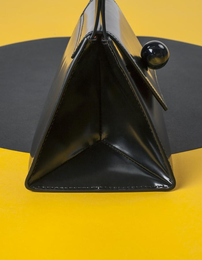 Naoshima | Triangle Bag | Black