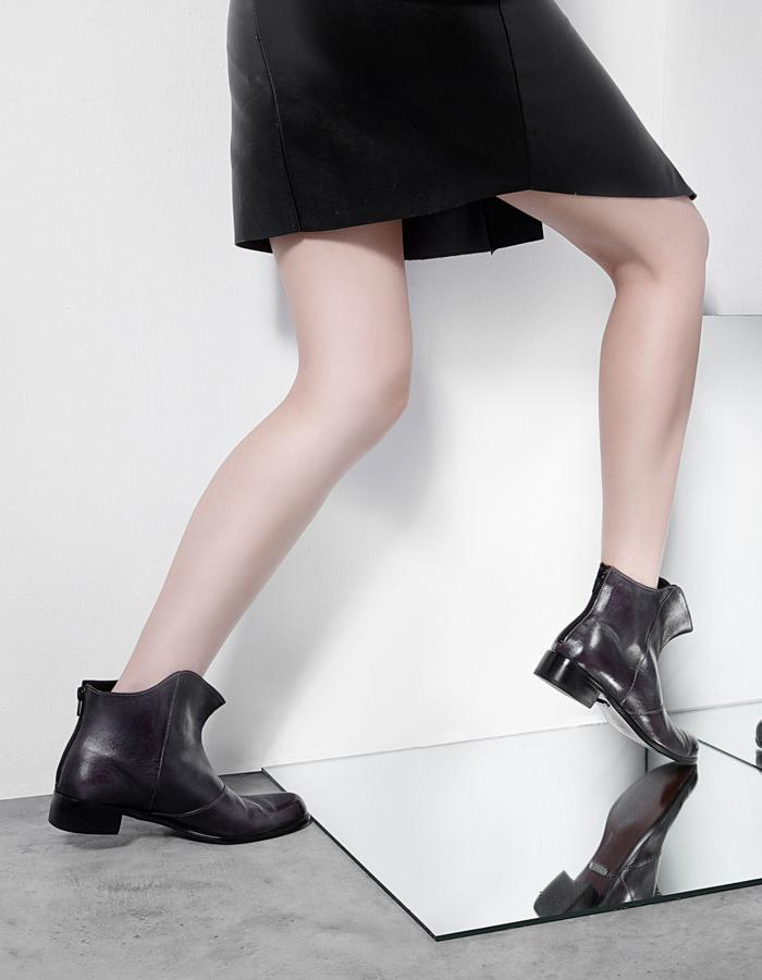 ankle boot, high fashion, exaggerate radian, cutting