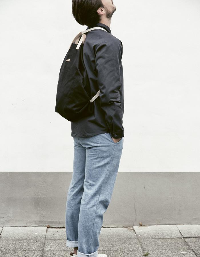 black linen SHOPPER