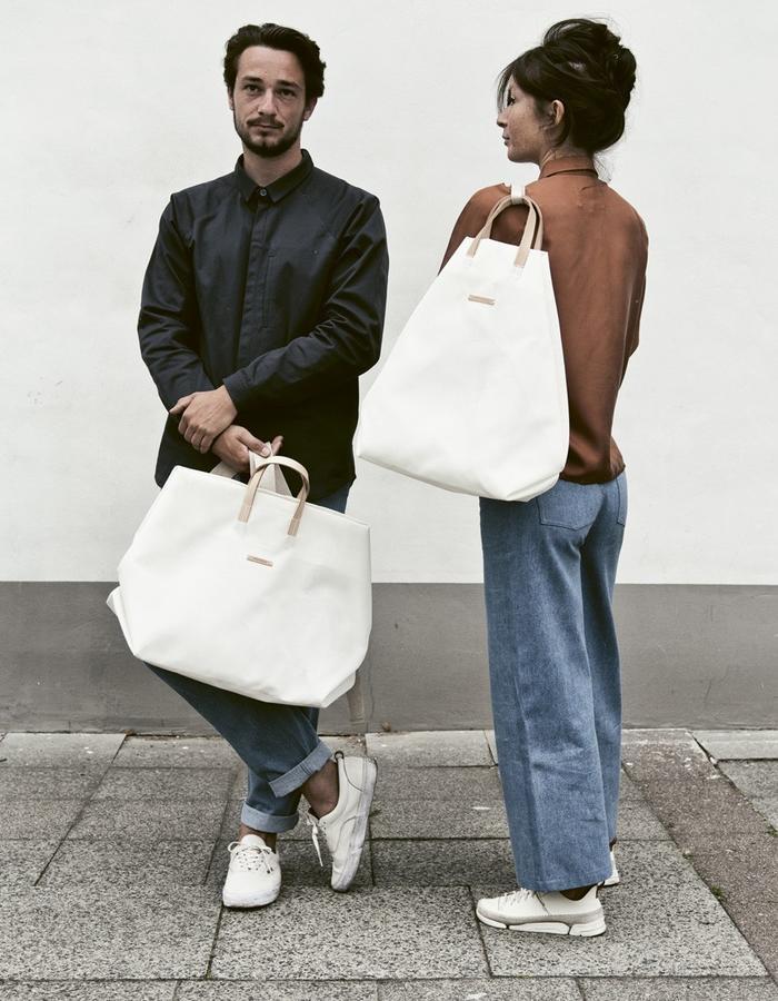 white mesh weekender  and shopper