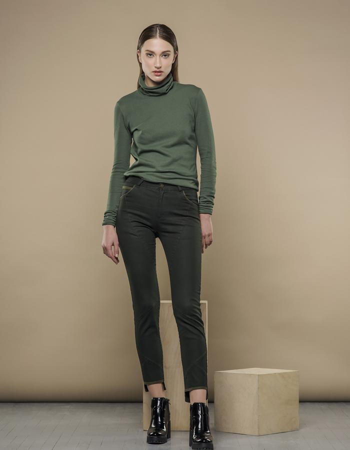 MOSS GREEN SLIM JEANS AND PINE GREEN TURTLENECK