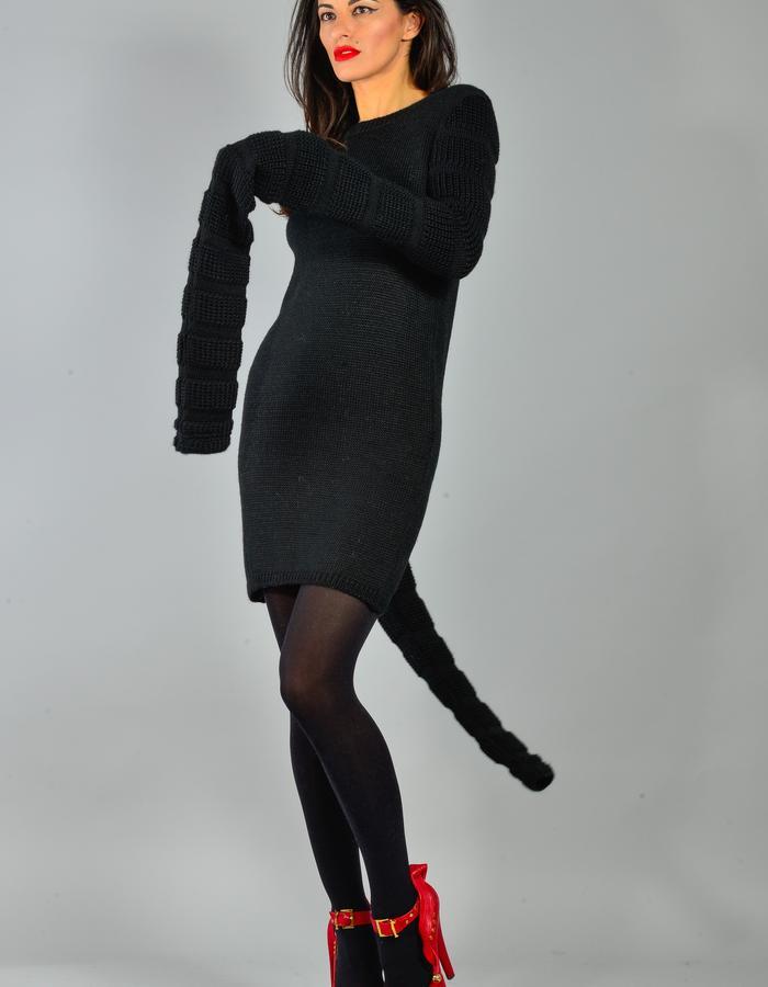 Black dress EQUULEUS