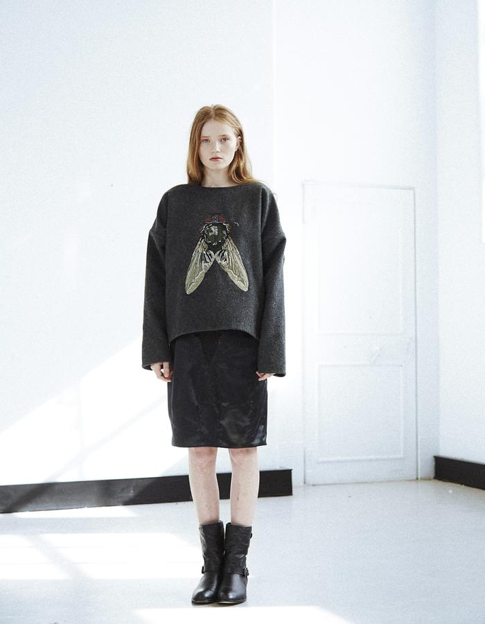 'UNI BLOWS EMBROIDERY JUMPER'