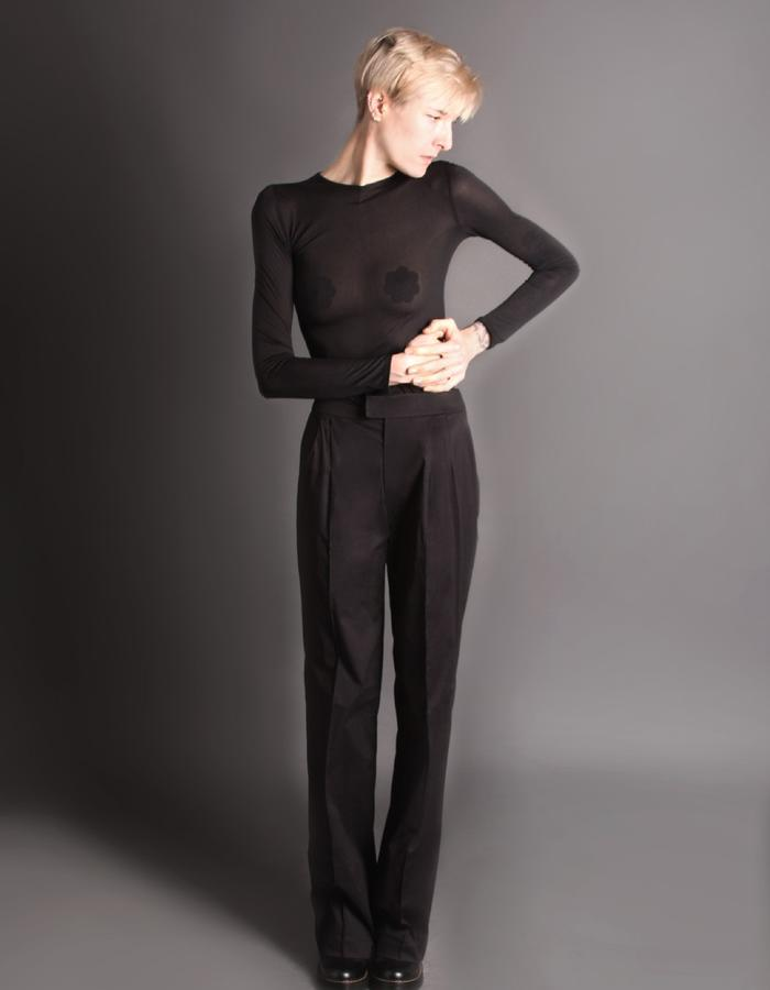 Black bodysuit + black cotton light trousers front