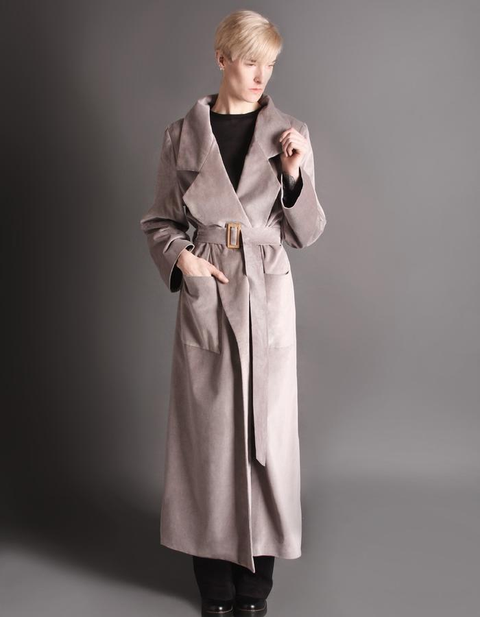 Grey velvet coat with bamboo buckle front