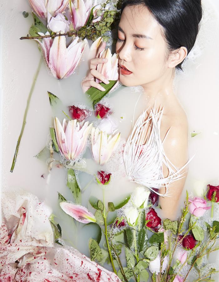 Beautiful Dead Roses lll