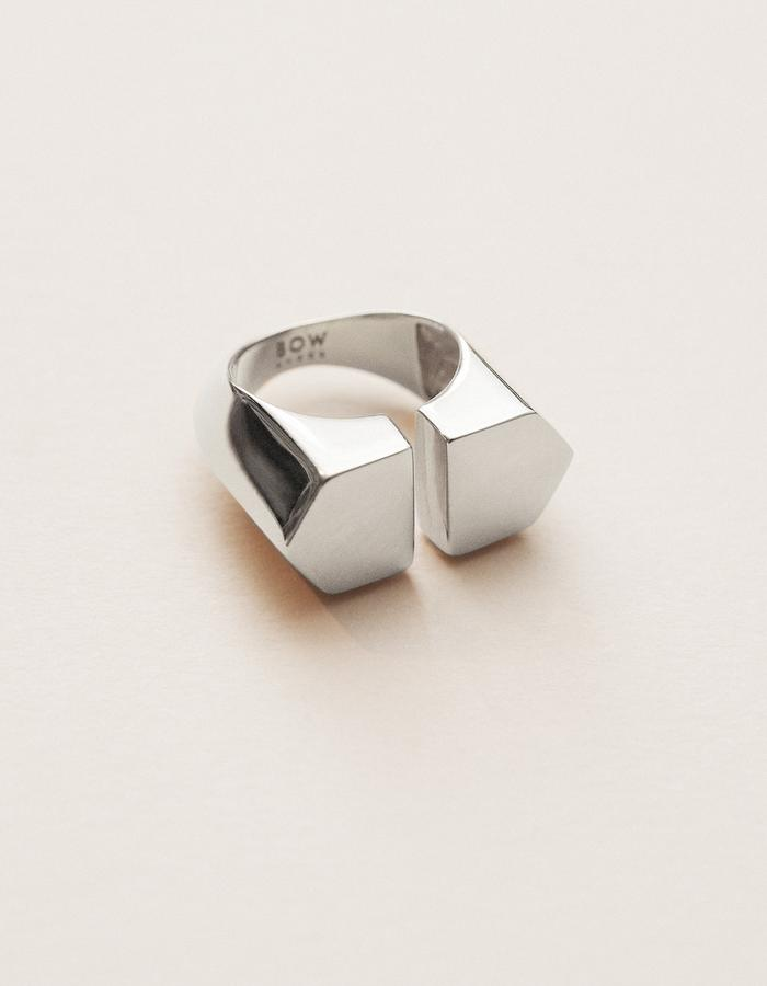 BOW LABEL - ORPHALISE RING - RHODIUM PLATED SILVER - 265 euro