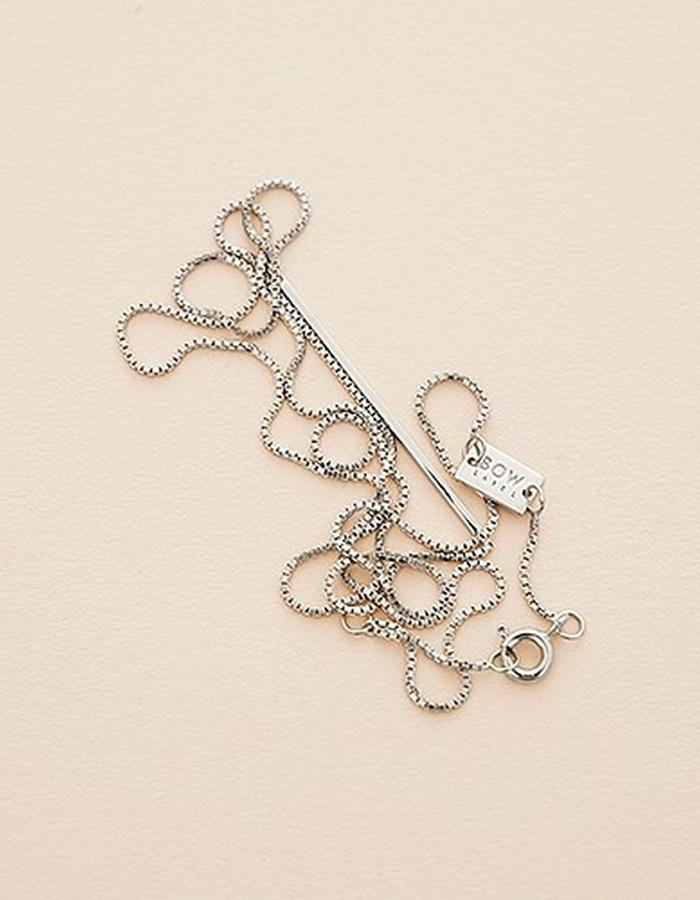 BOW LABEL - BE STRAIGHT NECKLACE - RHODIUM PLATED SILVER - 160 euro