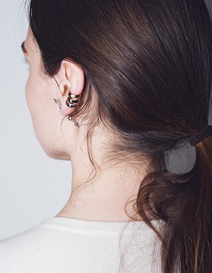 BOW LABEL EPEE EARCUFF MAKE WEIGHT EARPIN