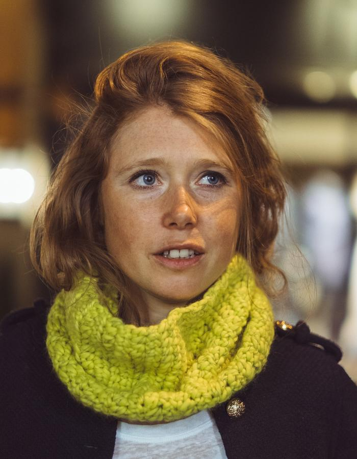 Yellow 'cuff' snood