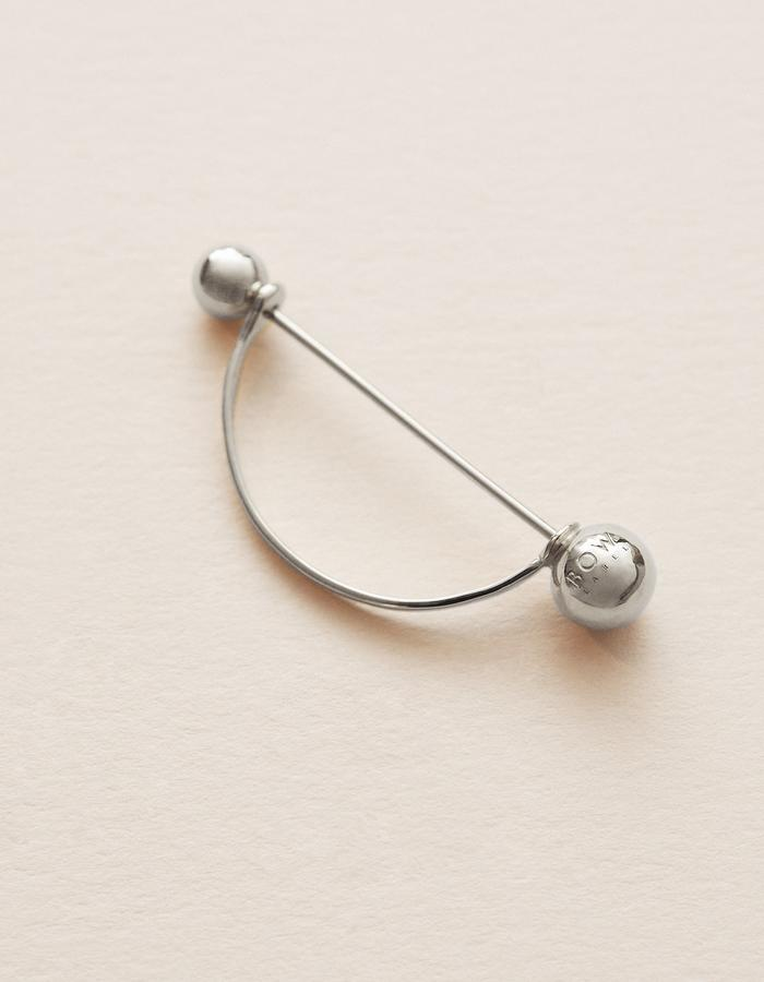 BOW LABEL - TOXOPHILIT EARPIN - RHODIUM PLATED SILVER