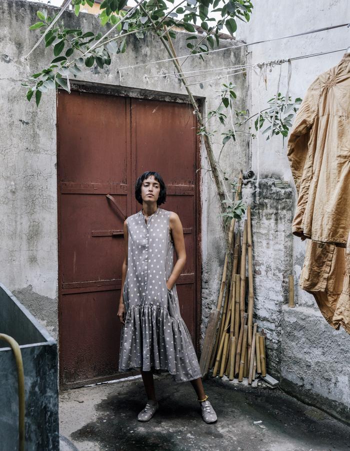 khadi,handwoven,handspun,grey,lunar blockprint,dress,natural dye