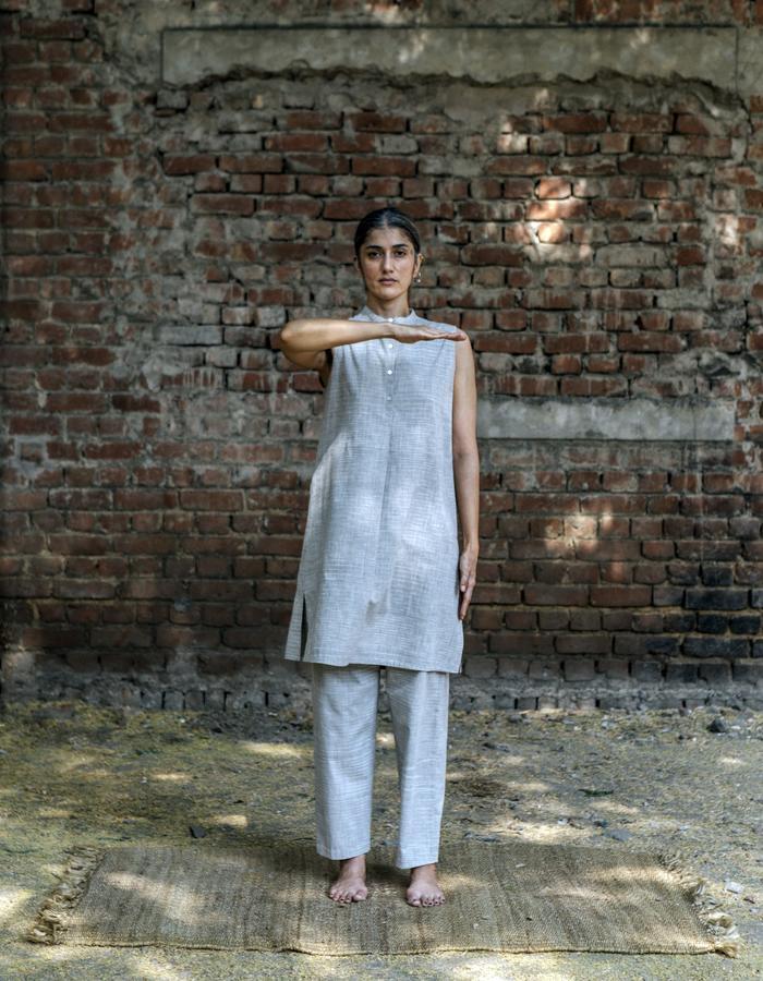 space dyed,khadi,handowoven,handspun,natural dye