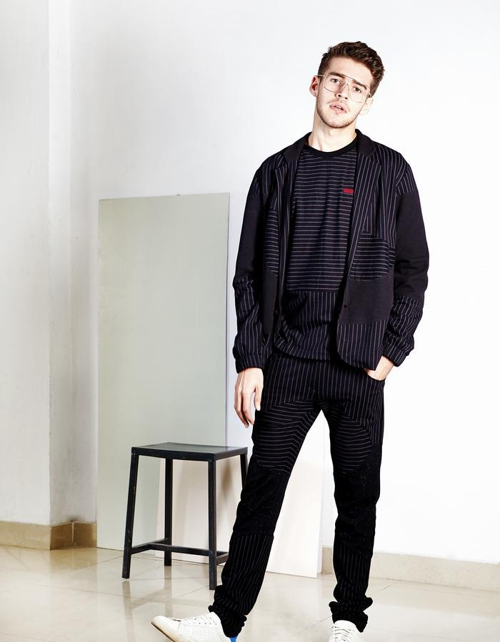 Stripe panel suit