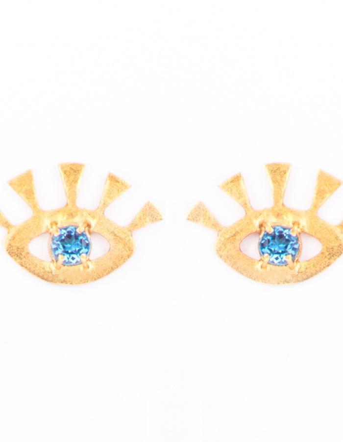 Iris with aquamarine